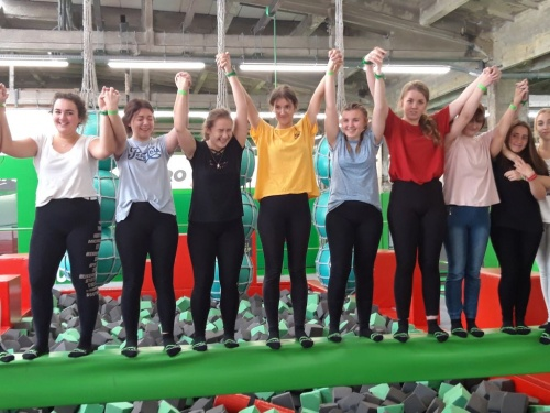 Reklama na trampolinie, czyli skacz jak najwyżej