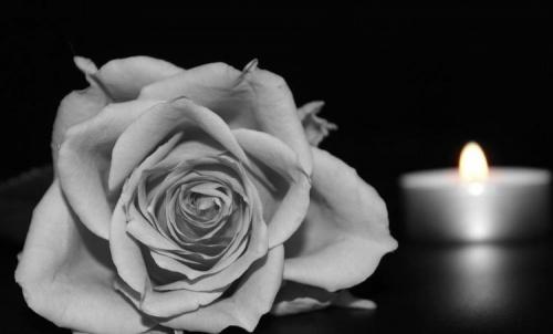 Z głębokim żalem i smutkiem zawiadamiamy o śmierci Pani Janiny Gołyźniak